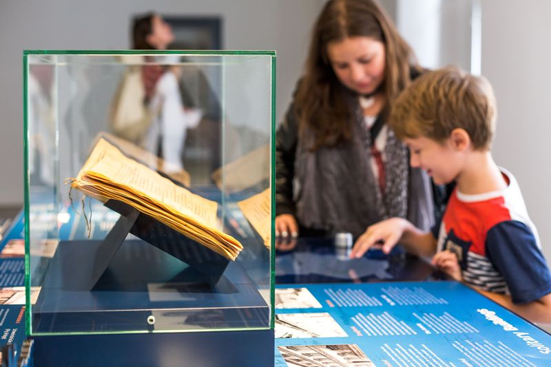 Interactive table © Hansestadt Wismar, photographer: A. Rudolph